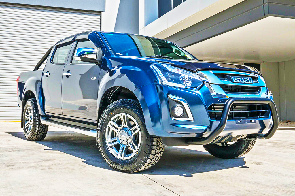 Isuzu Dmax fitted with CTM Offroad Viking wheels