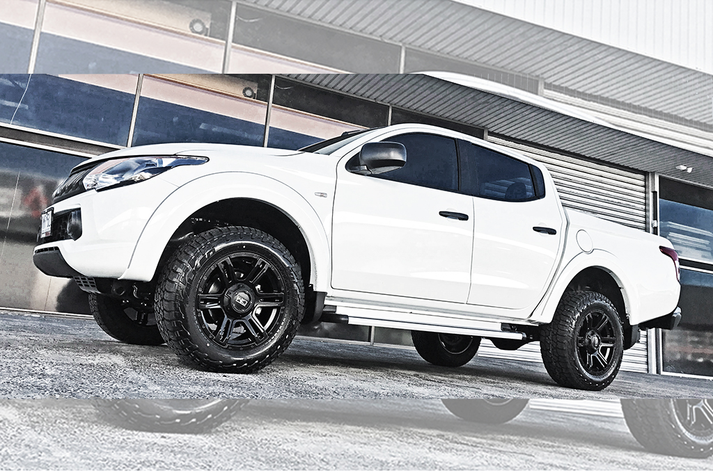 Mitsubishi Triton fitted with CTM Offroad Viking wheels